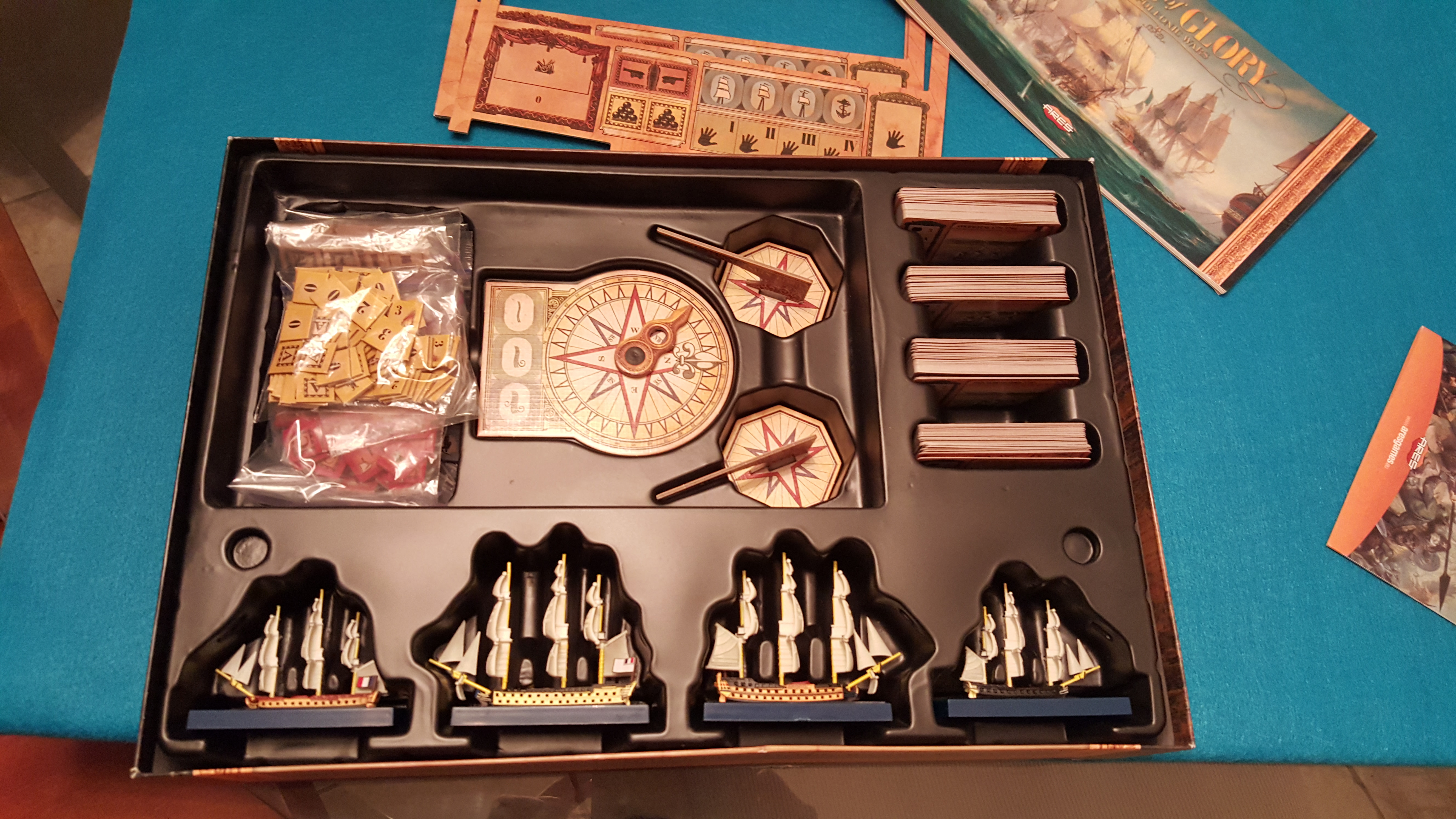 Sails of Glory : box compartments