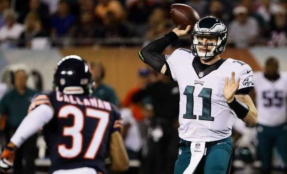 Eagles at Bears 2016 - Carson Wentz