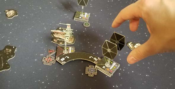 Star Wars X-Wing - maneuvers in tight quarters