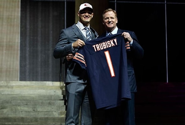 Bears trade up to draft Mitch Trubisky