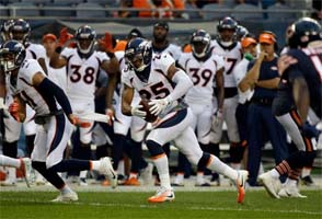 Chris Harris Jr. returns int for TD