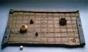 Hnefatafl - archaeological pieces