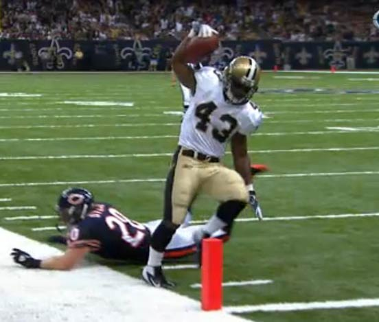 Chicago @ New Orleans - Darren Sproles steps out of bounds before score, play not reviewed by booth.