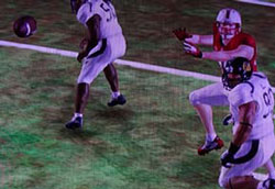 NCAA Football 13 - throwing between defenders