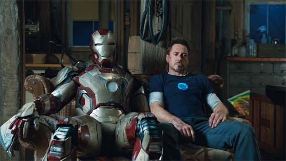 Iron Man 3 - bros on the couch